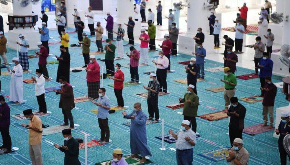 Selepas hampir tiga bulan, banyak masjid dan surau kini dibuka