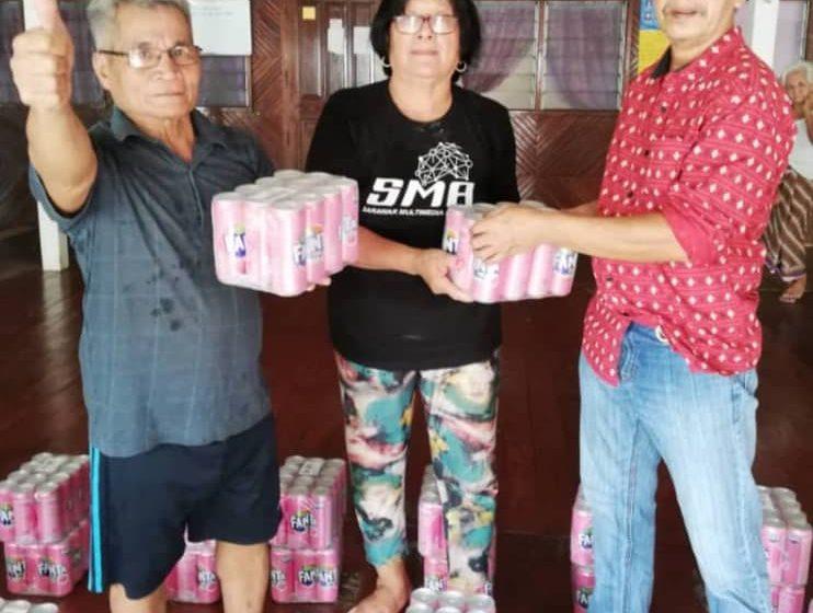 10 rumah panjang di Dun Beting Maro terima sumbangan air tin sempena Gawai Dayak