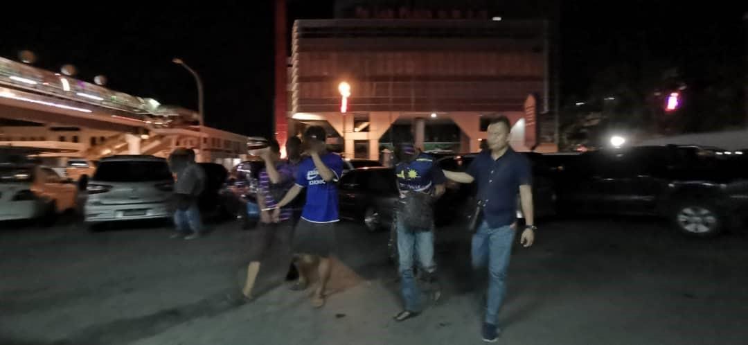 Lima lelaki pukul suspek subahat curi motosikal berjaya ditahan polis