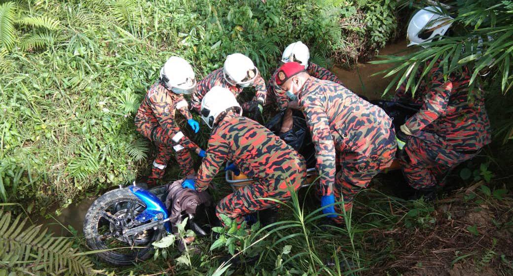 Lelaki maut motosikal hilang kawalan, jatuh ke dalam anak sungai