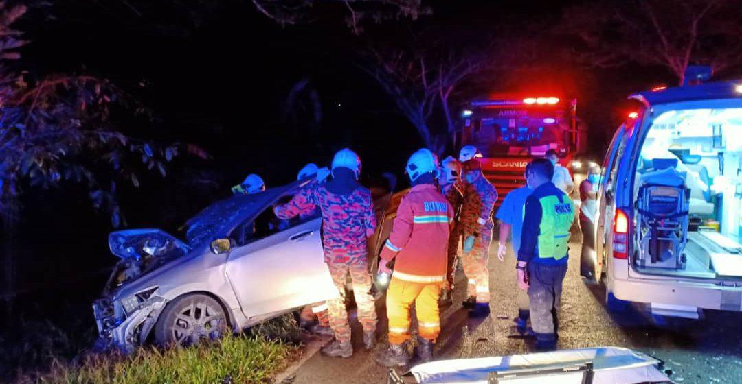 Kereta bertembung dengan lori, dua lelaki maut di Sibu