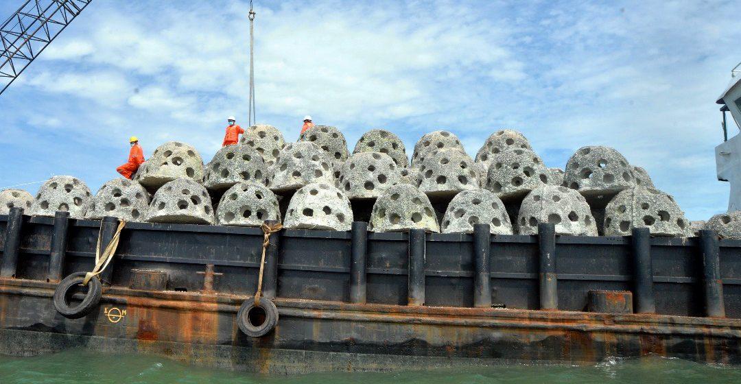 1,200 tukun tiru ditanam di Sungai Muara Tebas -Sebuyau