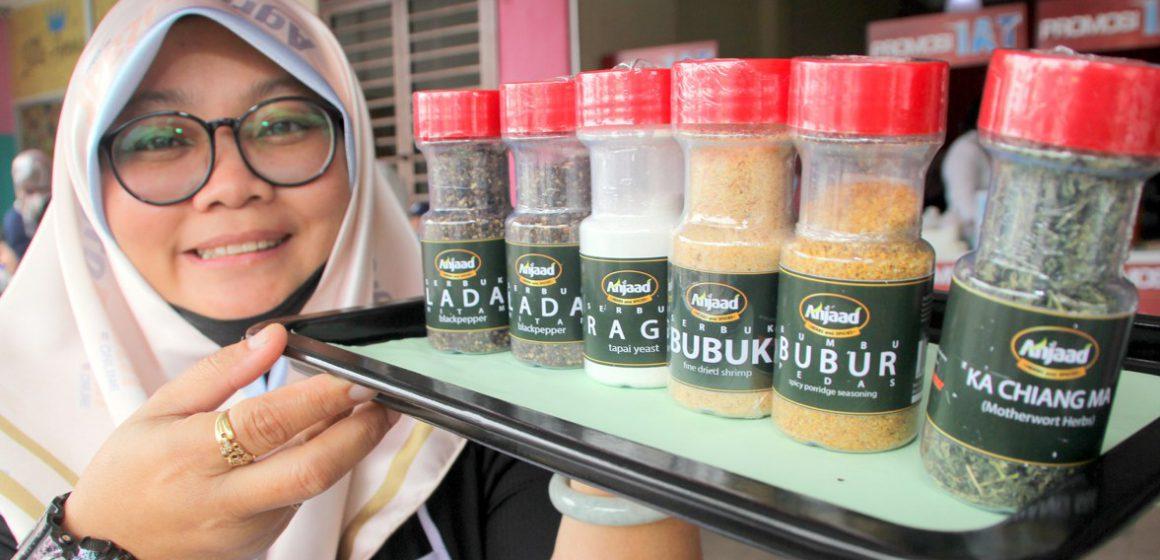 Rempah Sitihazar terbang ke Brunei