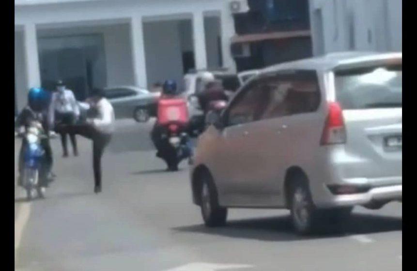 Anggota polis trafik tendang motosikal: Tindakan tegas akan diambil