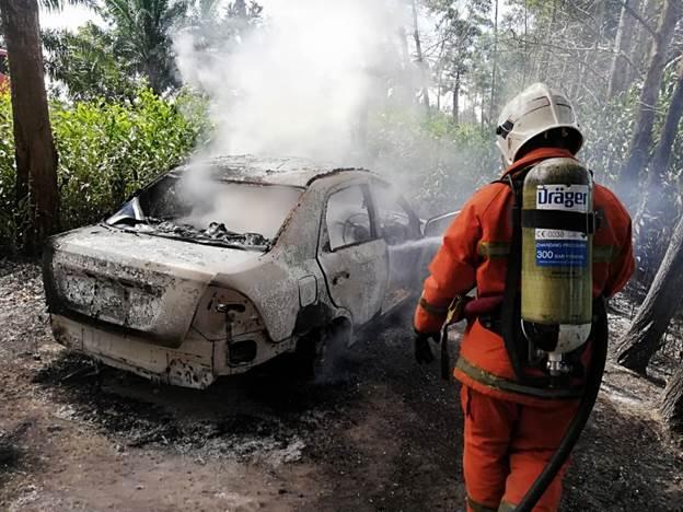 Proton Saga musnah terbakar
