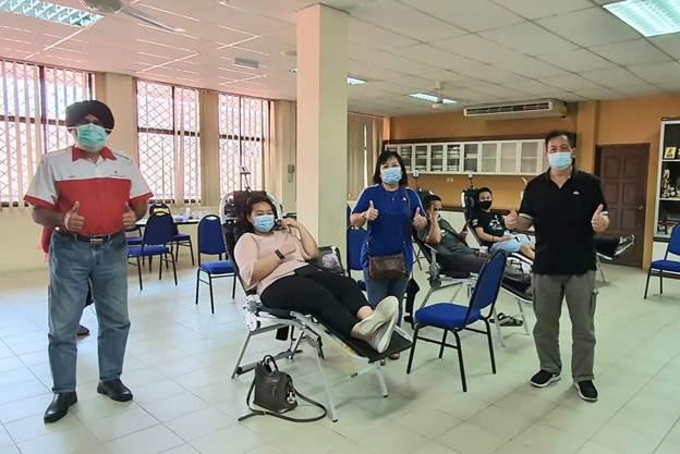 1,425 orang derma darah