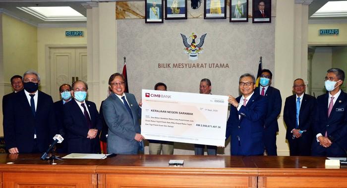 Hadiah untuk rakyat Sarawak