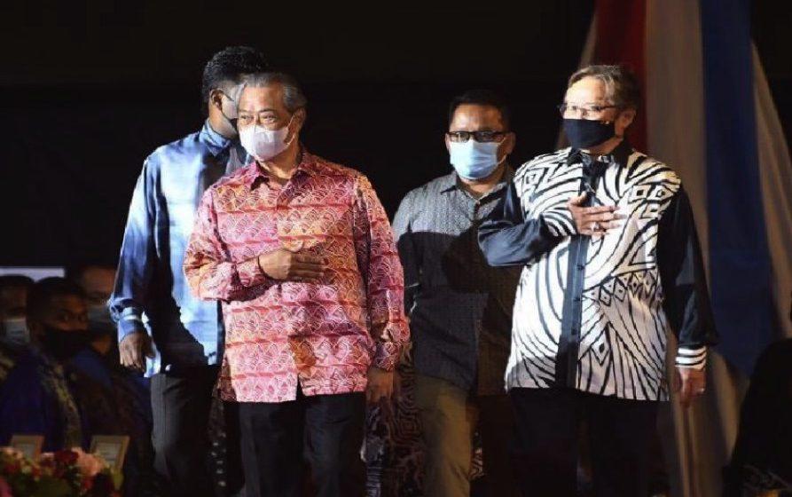 "Anggap Sarawak ""parochial"" tidak bantu penyatuan negara, kata Abang Johari"