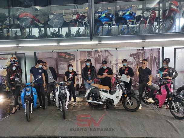 Motosikal klasik jelajah Sarawak