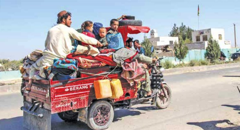 Ribuan penduduk lari dari pertempuran Taliban