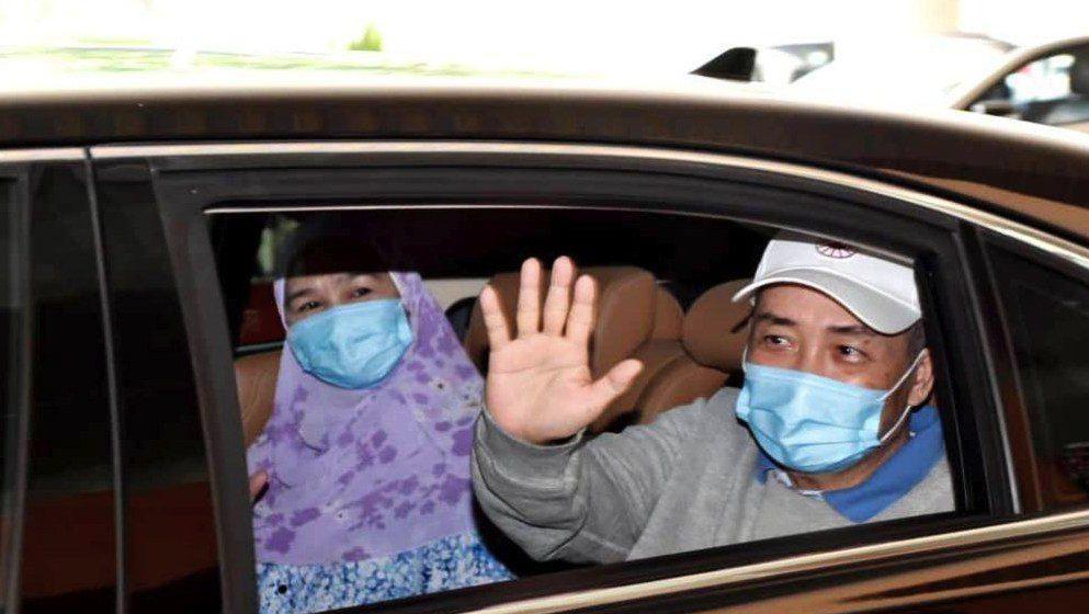 Hajiji, isteri pulih COVID-19, dibenarkan keluar wad