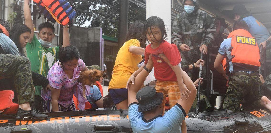 500,000 dipindahkan sebelum taufan lain badai Filipina