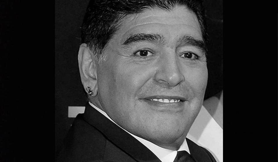 Argentina ngulit tiga hari, basa ngagai Maradona
