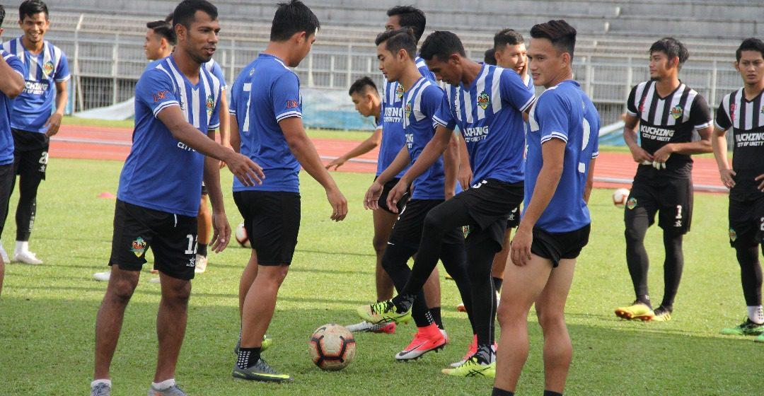 Tim Kuching City FC belatih ba enam bagi menua seraya ngiga pemain baru