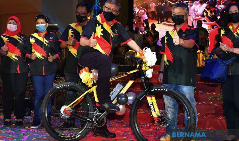 Sarawak bakal bina akademi sukan bertaraf antarabangsa – Abang Johari