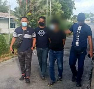 Lelaki ditangkap kerana mengugut membunuh ibu bapa