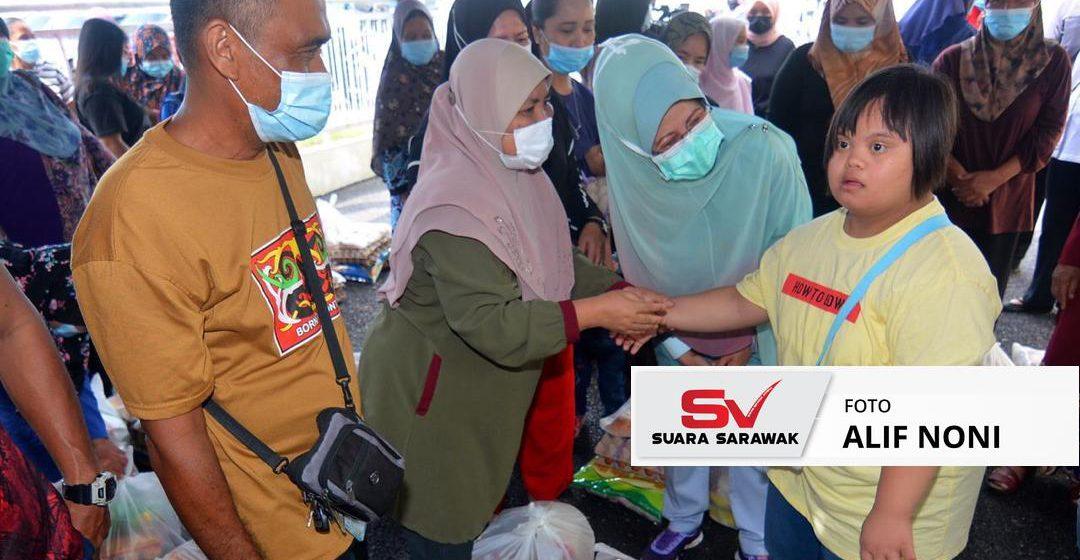 Bersama membantu mereka yang memerlukan-Fatimah