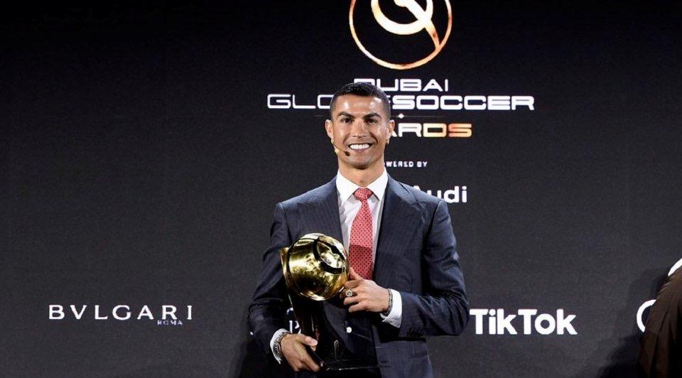 Christano Ronaldo pemain bol pemadu tebilang kurun ke-21