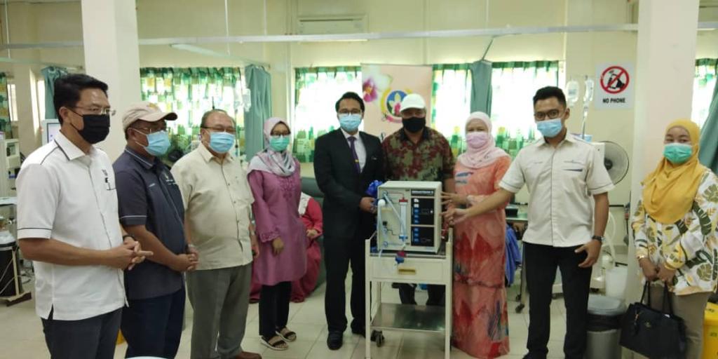 Sabati sumbang mesin dialisis di Hospital Lawas