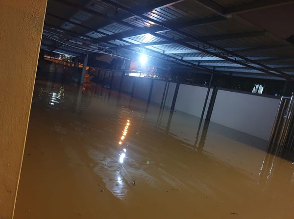 Paras air beberapa kawasan di Sarawak menaik