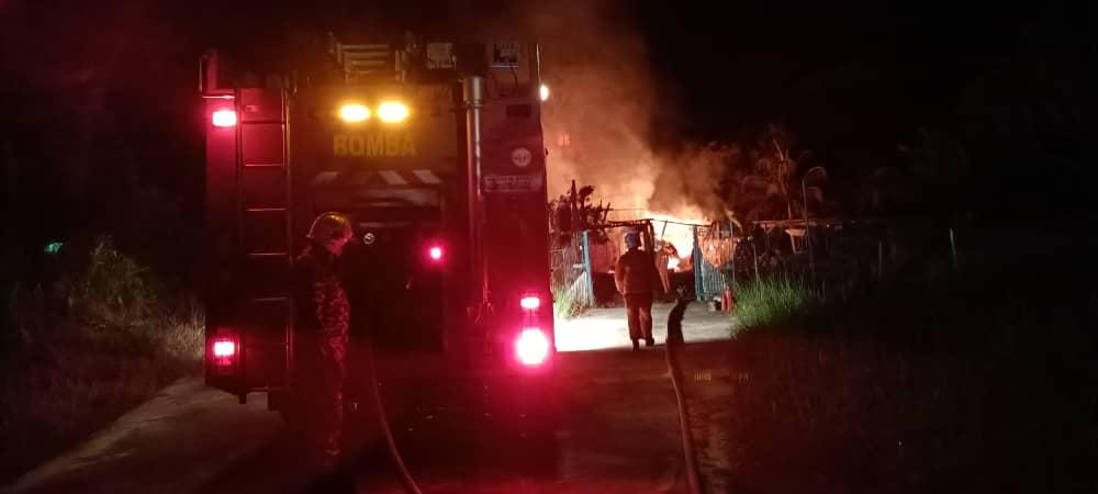 Bomba di Bintangor ulang-alik 4 kali sejauh 1 km malam tadi untuk padamkan kebakaran