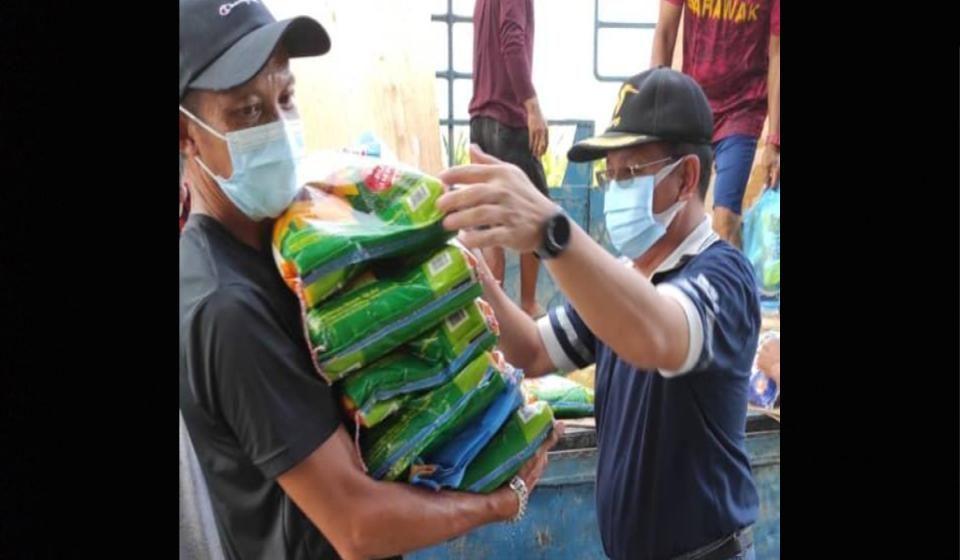 4,200 bakul makanan diagih kepada mangsa banjir di Daro