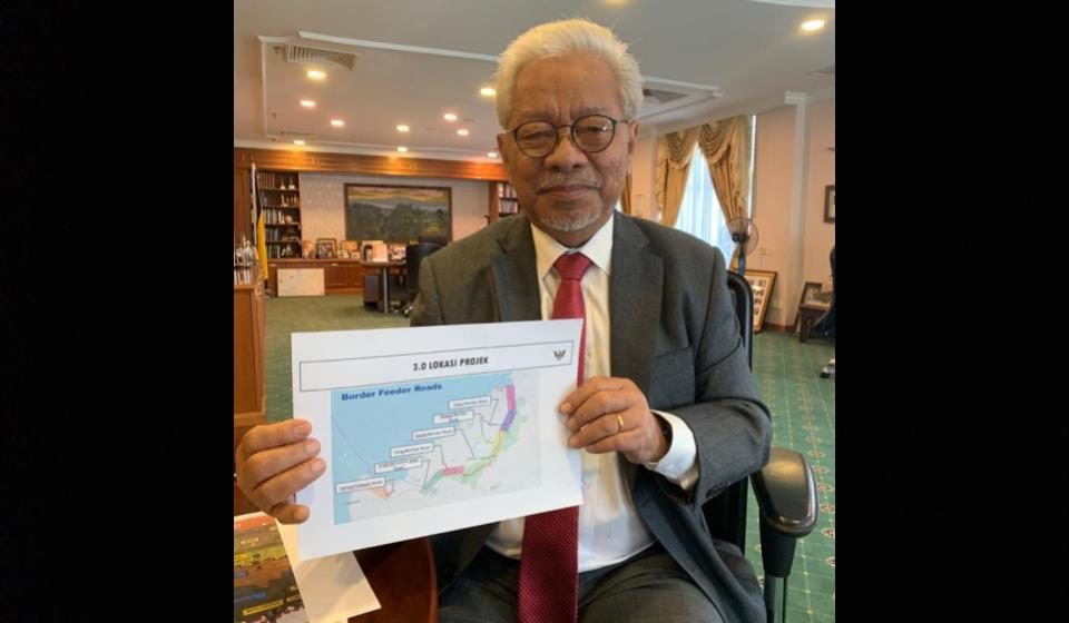 Pagar ba adan menua Sarawak-Kalimantan didiri ba palan strategik
