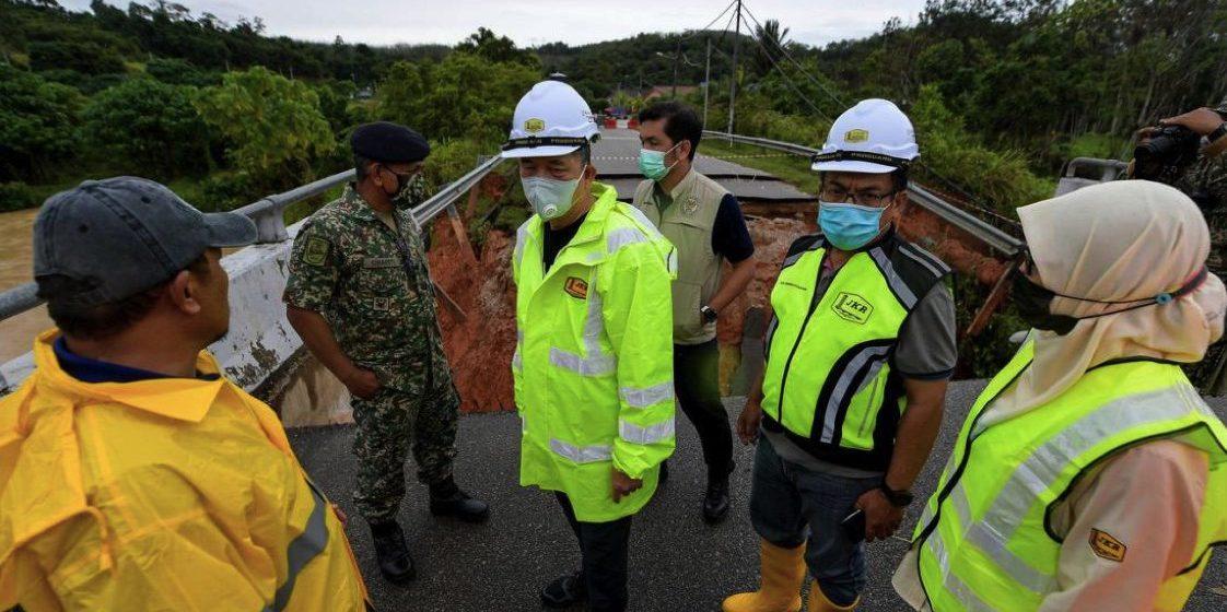Banjir: 172 jalan persekutuan, 97 jalan negeri terjejas- Fadillah