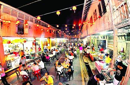Nadai rugi ngelawa Pasar Malam Siniawan