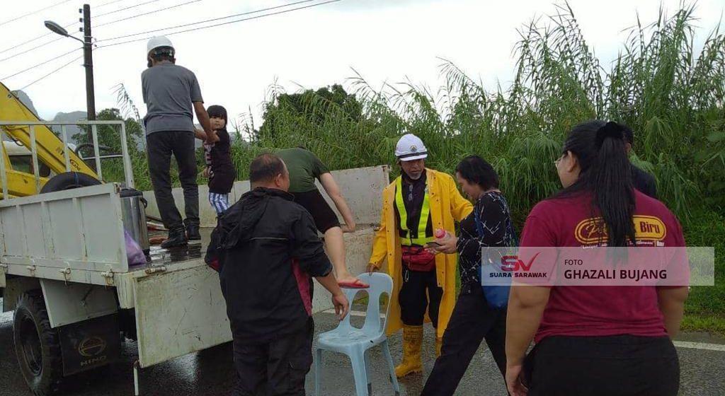 4,413 mangsa banjir di 49 PPS di Kuching, Samarahan, Serian dan Miri
