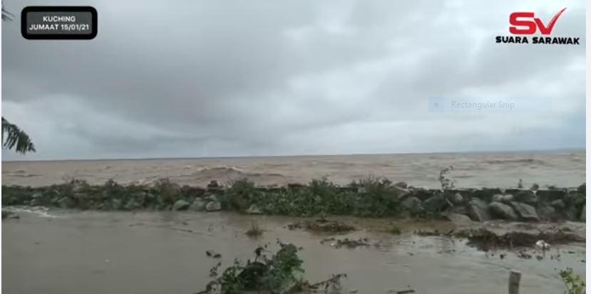 Paras air Sungai Sarawak dalam keadaan terkawal