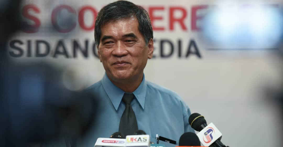Lebih 97,000 petugas barisan hadapan di Sarawak akan divaksin
