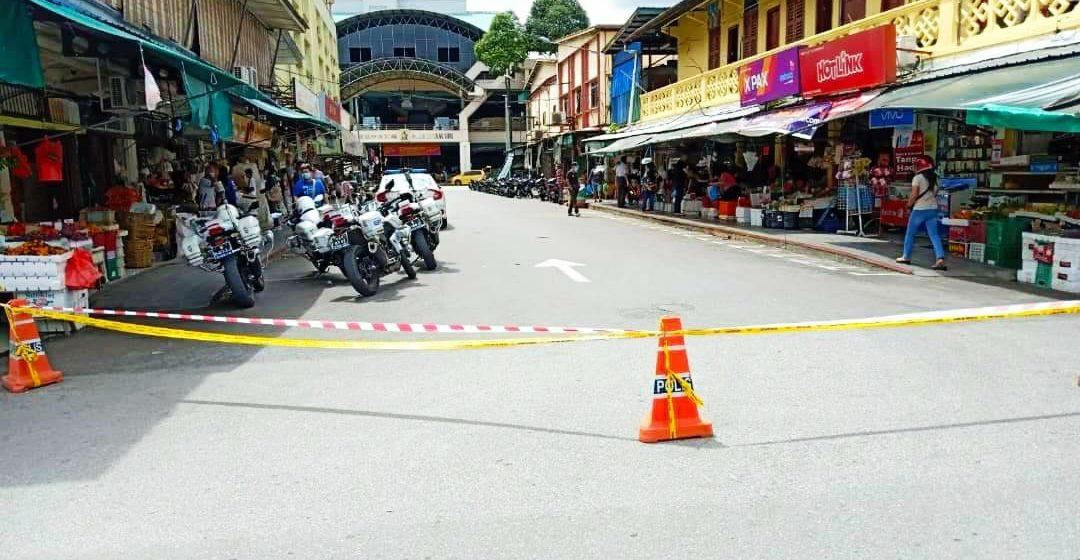 Degil dan langgar SOP, polis tutup jalan selepas diserbu kaki shopping