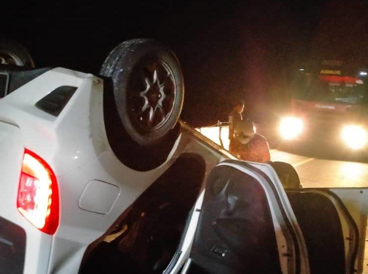 Axia terbalik di Betong, pemandu dan dua penumpang selamat