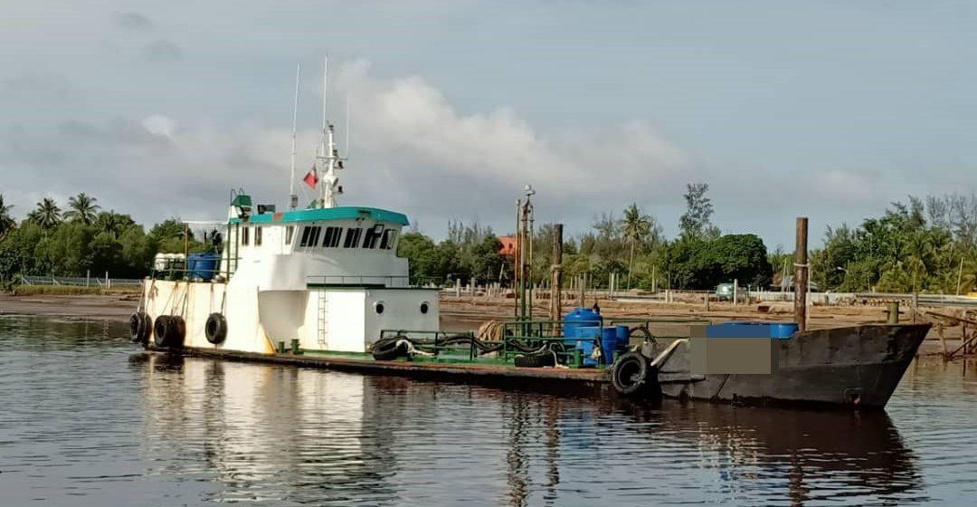 Kapal tangki bawa 200,000 liter minyak diesel ditahan