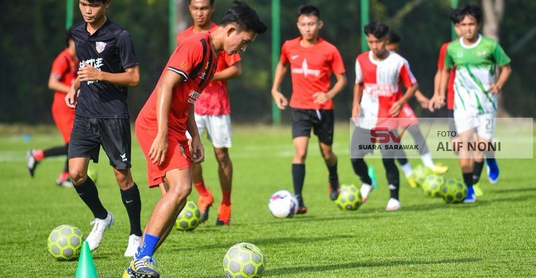 38 pemain buru tempat skuad Kuching City 2