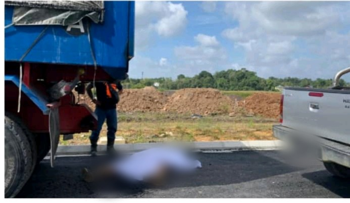 Pemandu lori maut dilanggar Hilux berundur