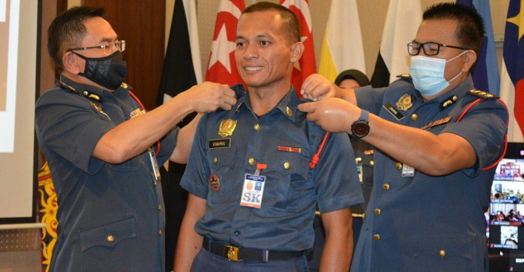 21 Pegawai Bomba dinaikkan pangkat kepada Pegawai Bomba Kanan II