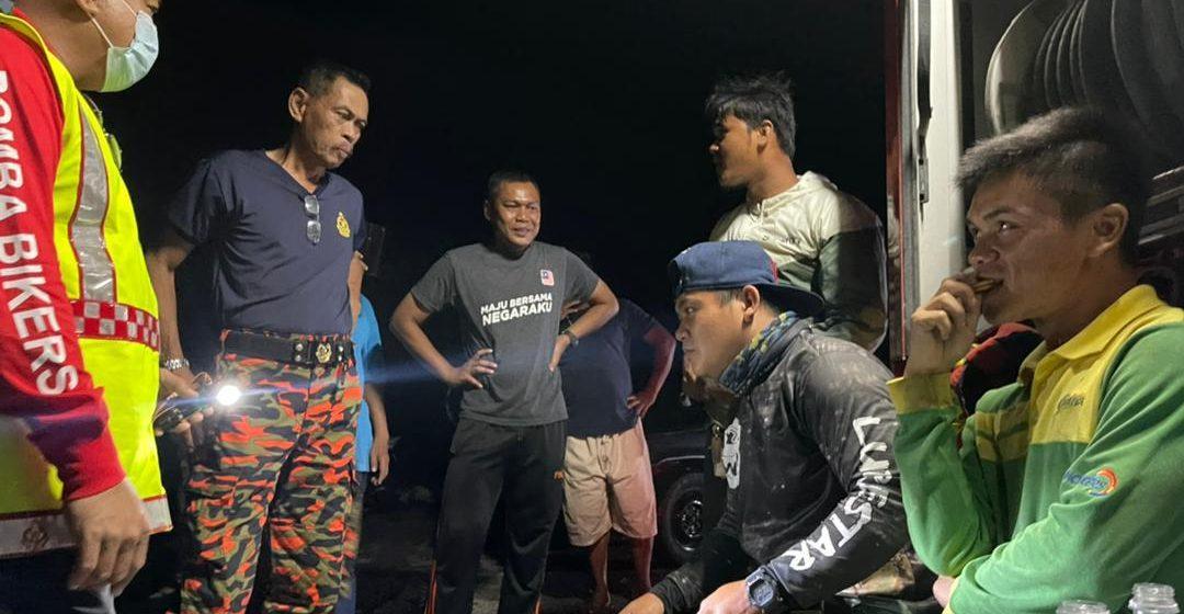 Tiga sekawan yang terperangkap di Pantai Kampung Trombol akibat air pasang di Telaga Air selamat