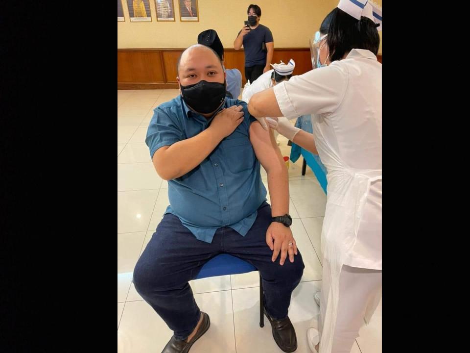 Adun Machan enda tinggal betuchuk vaksin Covid-19