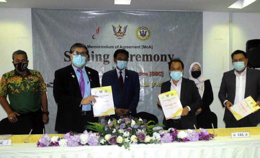 SSC dan FAS meterai Memorandum Pembangunan Bola Sepak Negeri