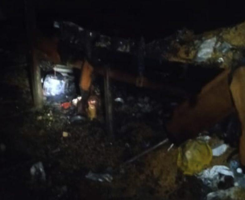 Sebuah rumah musnah, 7 penghuni terselamat