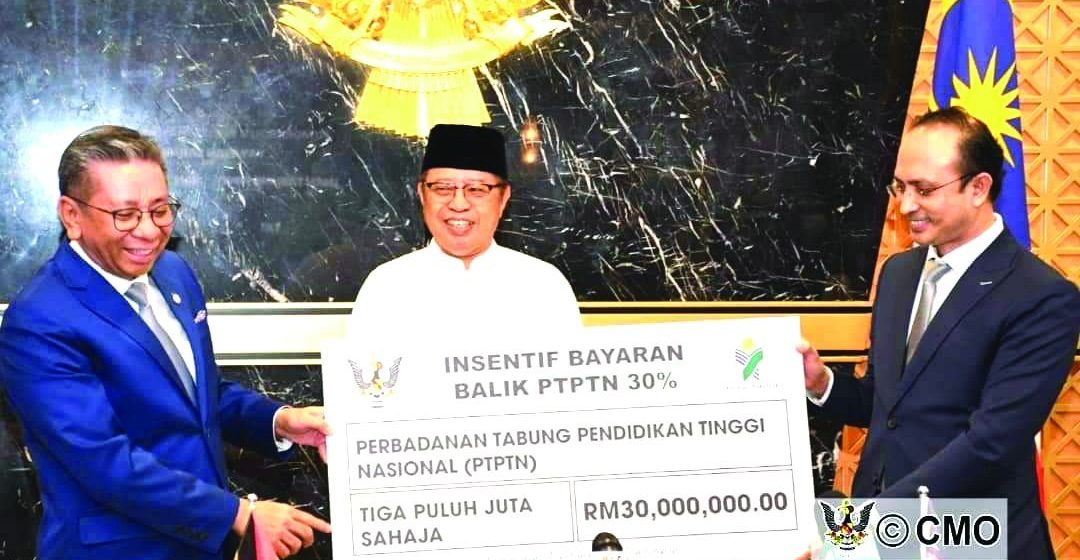 Agih RM30 juta udah disua ngagai PTPTN dikena mantu anak Sarawak mayar laluh utang