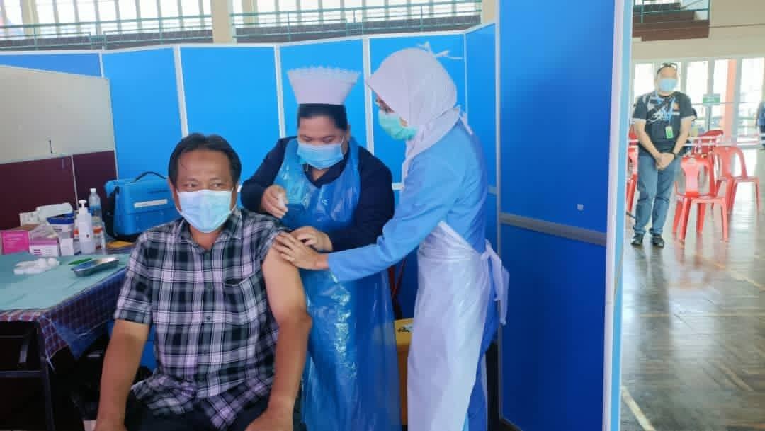 Abdul Rahman Ismail dahului senarai barisan hadapan terima suntikan vaksin covid-19