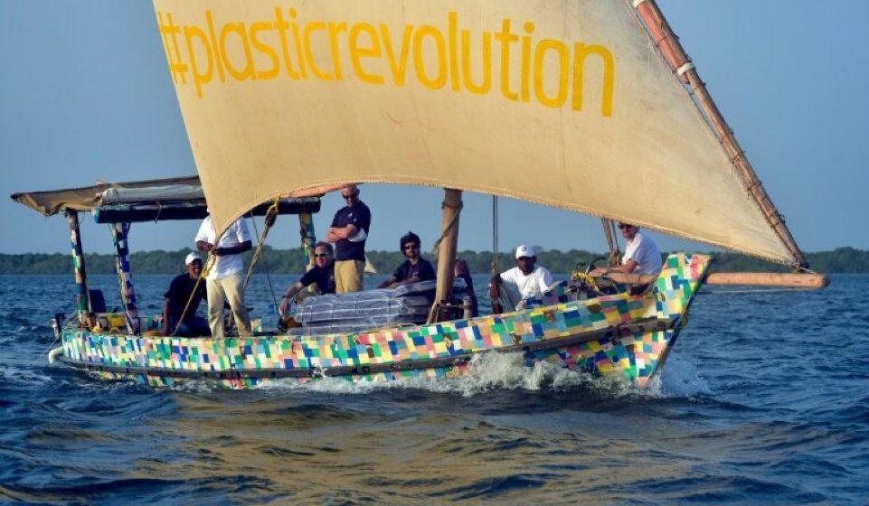 Bot plastik kitar semula pertama di dunia mula belayar