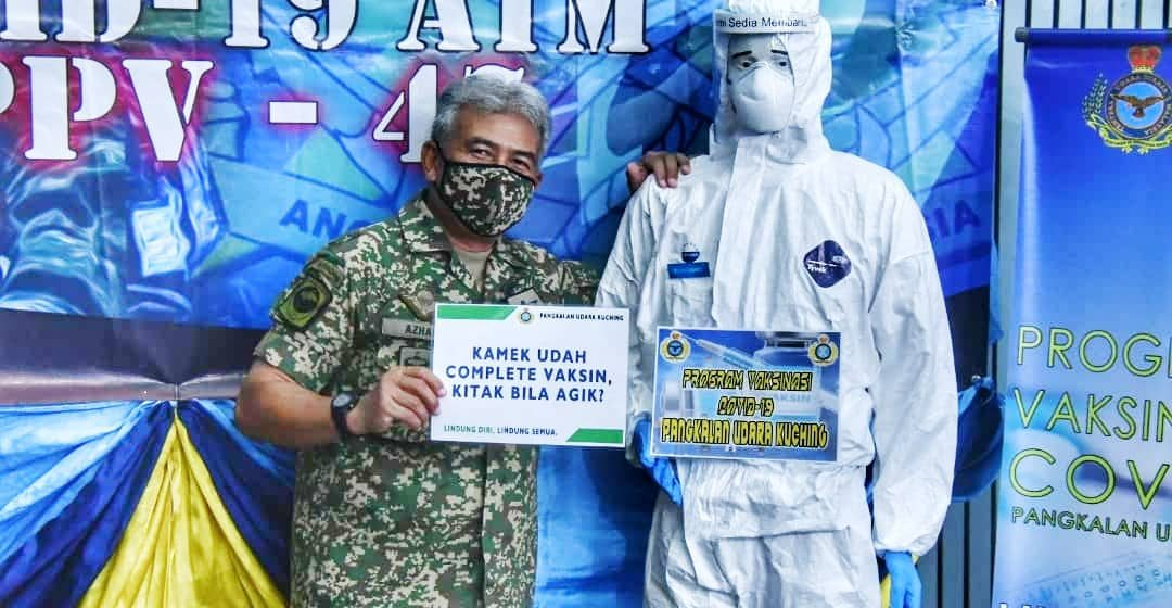 Mej. Jen. Dato' Dzulkafli Mustaffa bersama 156 anggota Tentera Darat terima suntikan kedua