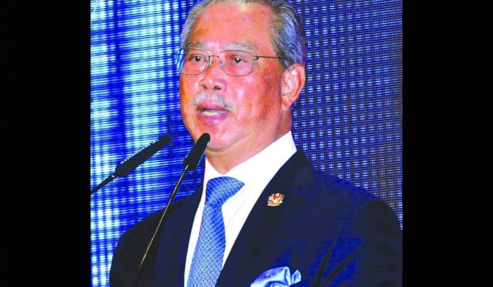 Menteri Besai muji perambu pemansang 10 taun ungkup Sarawak