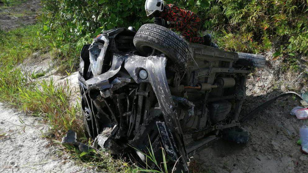 Tiga parah dalam kemalangan kendiri di Jalan Selalang, Sarikei
