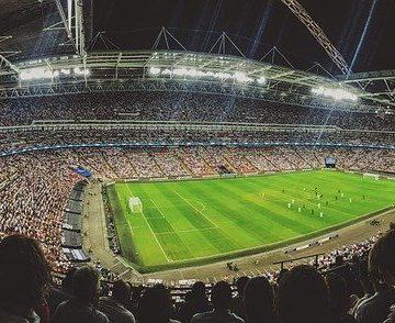 Peminat bola sepak di England bantah besar-besaran, ESL