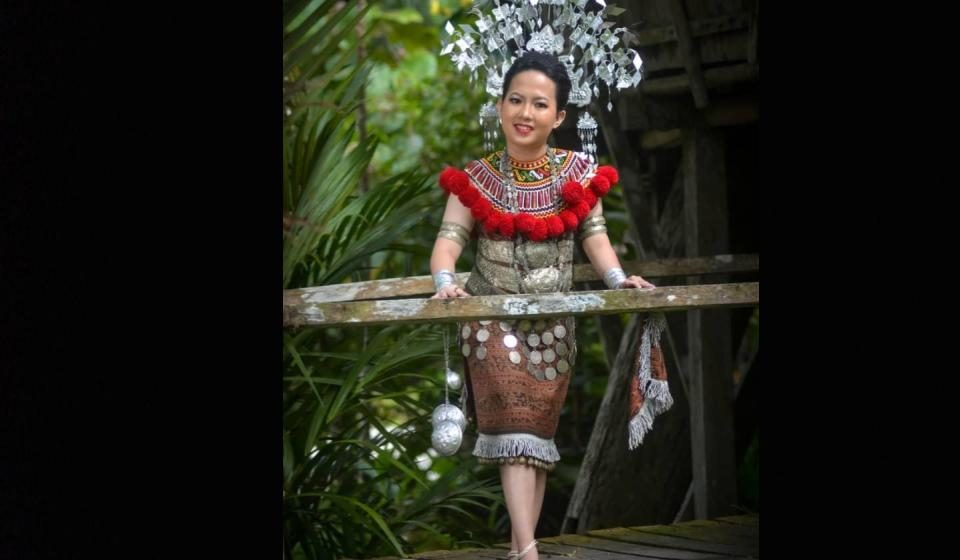 Bisi 300 iku ngerejister diri ngerebut gelar Kumang Gawai Online Trofi YB Datuk Ali Biju